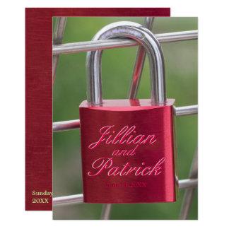 Cartão Casamento vermelho do elo de corrente do cadeado