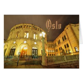 Cartão Castelo em Oslo, Noruega na noite