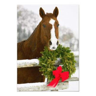 Cartão Cavalo que olha sobre a cerca