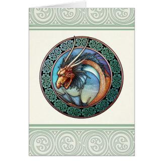 Cartão celta do design do dragão