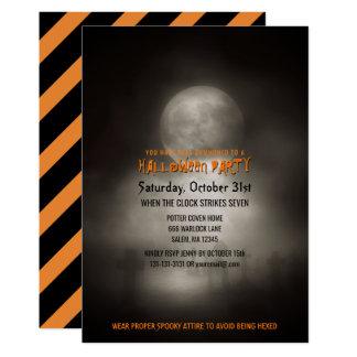 Cartão Cemitério assustador do luar do partido do Dia das
