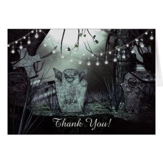 Cartão Cemitério gótico com o obrigado Enchanting das