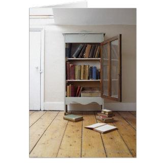 Cartão Cheio do armário dos livros