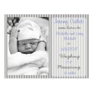 Cartão cinzento do anúncio do nascimento do menino