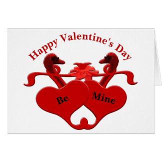 Cartão Cisnes vermelhas dos corações da guarda