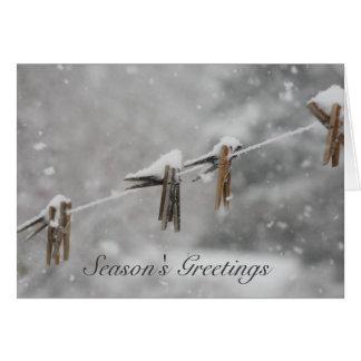 Cartão Clothespins cobertos de neve