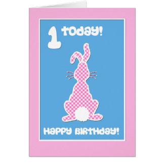 Cartão Coelho de coelho bonito no aniversário cor-de-rosa