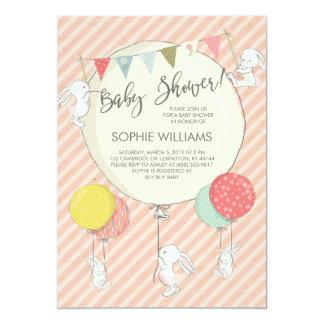 Cartão Coelhos e chá de fraldas brancos do bebé dos