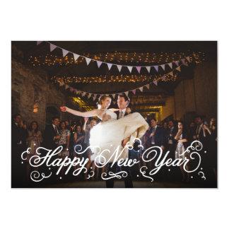 Cartão com fotos branco elegante do feliz ano novo convites