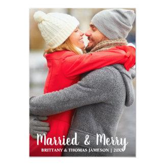 Cartão com fotos casado & alegre do Newlywed