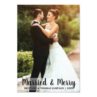 Cartão com fotos casado & alegre W do casamento do