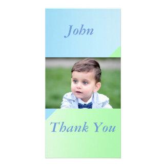 cartão com fotos de dois pastels do tom