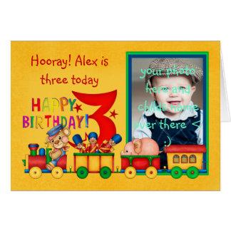 Cartão com fotos do aniversário de 3 anos com trem