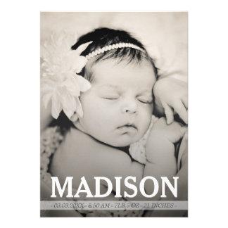 Cartão com fotos do anúncio do nascimento do bebé