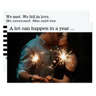 Cartão com fotos do anúncio do noivado do casal do