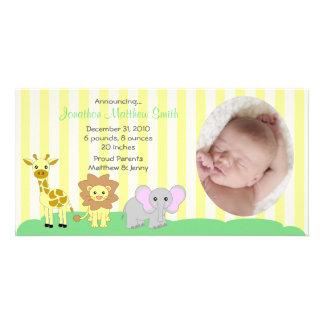 Cartão com fotos dos anúncios do nascimento dos an