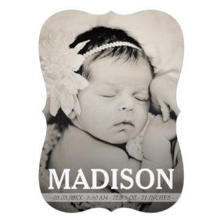 Cartão com fotos floral do anúncio do nascimento
