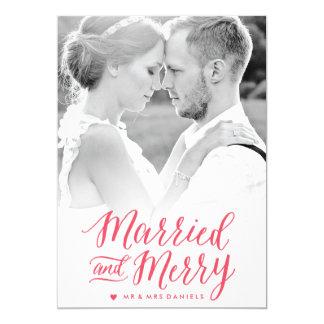 Cartão com fotos vermelho casado e alegre do convite 12.7 x 17.78cm