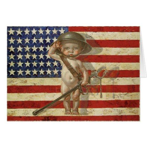 Cartão com o herói da guerra do bebê na bandeira a