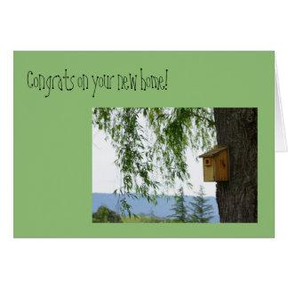 """Cartão """"Congrats em seu"""" Birdhouse home novo da primavera"""