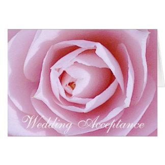 Cartão cor-de-rosa da aceitação do casamento da