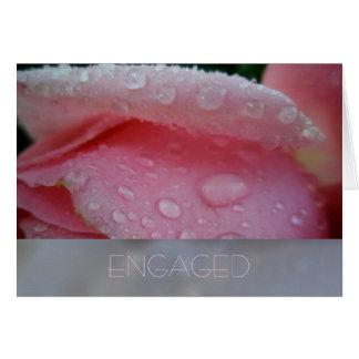 Cartão cor-de-rosa do noivado da pétala