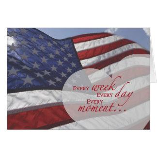 Cartão Coração do dia de veterano na bandeira