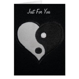 Cartão Coração preto & branco de Ying Yang