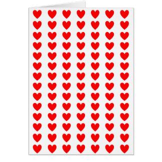 Cartão Corações vermelhos pequenos no branco - eu te amo