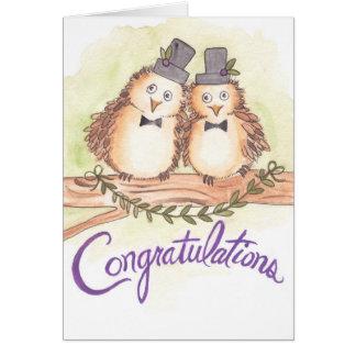 Cartão Corujas dos parabéns para o casamento alegre