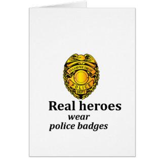 Cartão Crachás reais da polícia do desgaste dos heróis
