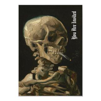 Cartão Crânio com cigarro ardente