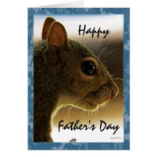 Cartão Cumprimento cinzento do esquilo do dia dos pais