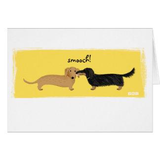 Cartão Cumprimento do Smooch do Dachshund