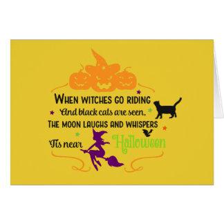 Cartão Cumprimentos das bruxas e das abóboras