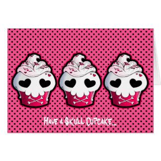 Cartão Cupcake cor-de-rosa do crânio