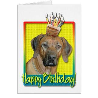Cartão Cupcake do aniversário - Rhodesian Ridgeback
