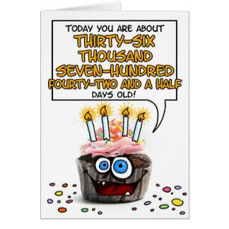 Cartão Cupcake do feliz aniversario - 100 anos velho