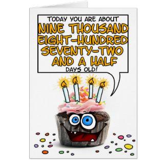 Cartão Cupcake do feliz aniversario - 27 anos velho
