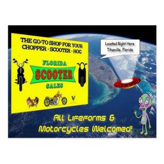 Cartão da alienígena das vendas do patinete de