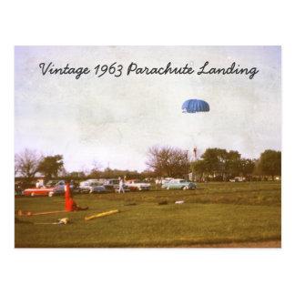Cartão da aterragem do pára-quedas do vintage 1963