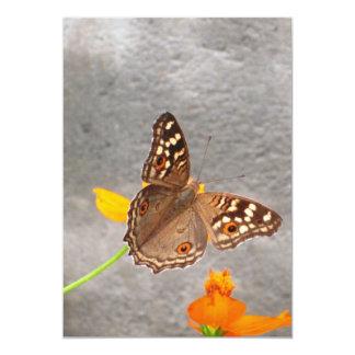 Cartão da borboleta de Brown Convite 12.7 X 17.78cm