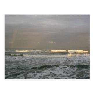 Cartão da fotografia do oceano e do arco-íris