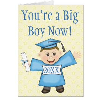 Cartão da graduação do pré-escolar/menino do