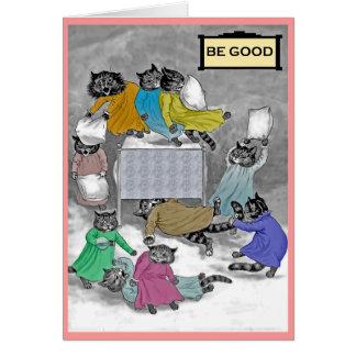 Cartão da luta de travesseiro dos gatinhos de