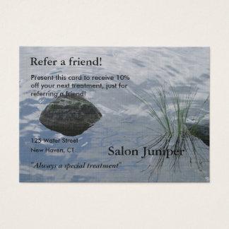 Cartão da referência com água e as pedras