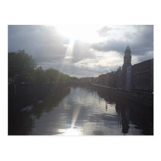 Cartão da reflexão do nascer do sol de Dublin