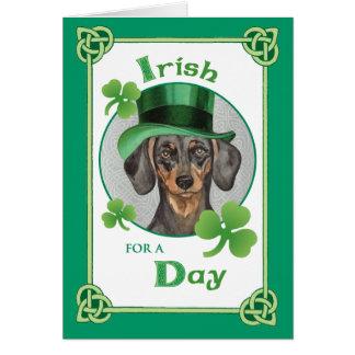 Cartão Dachshund do dia de St Patrick