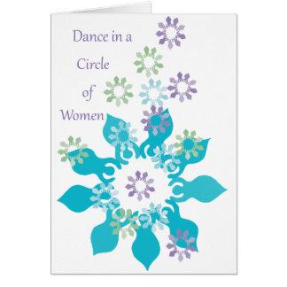 Cartão Dança em um círculo das mulheres