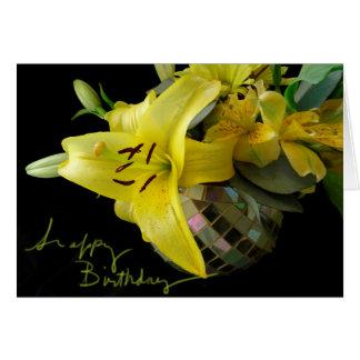 Cartão de aniversário amarelo do mosaico de Lilly